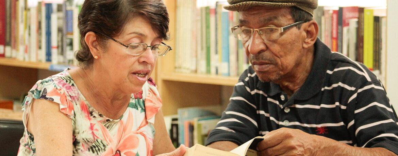 Tertulia literaria para compartir historias y experiencias de vida, un espacio para el encuentro a partir de los libros y de un buen café. Dirigido a adultos y adultos mayores.